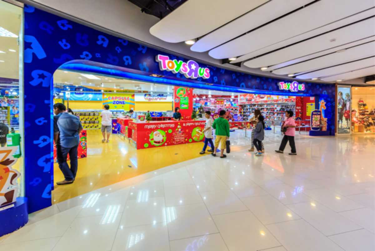 Toys R Us storefront in mall with Logo/sign