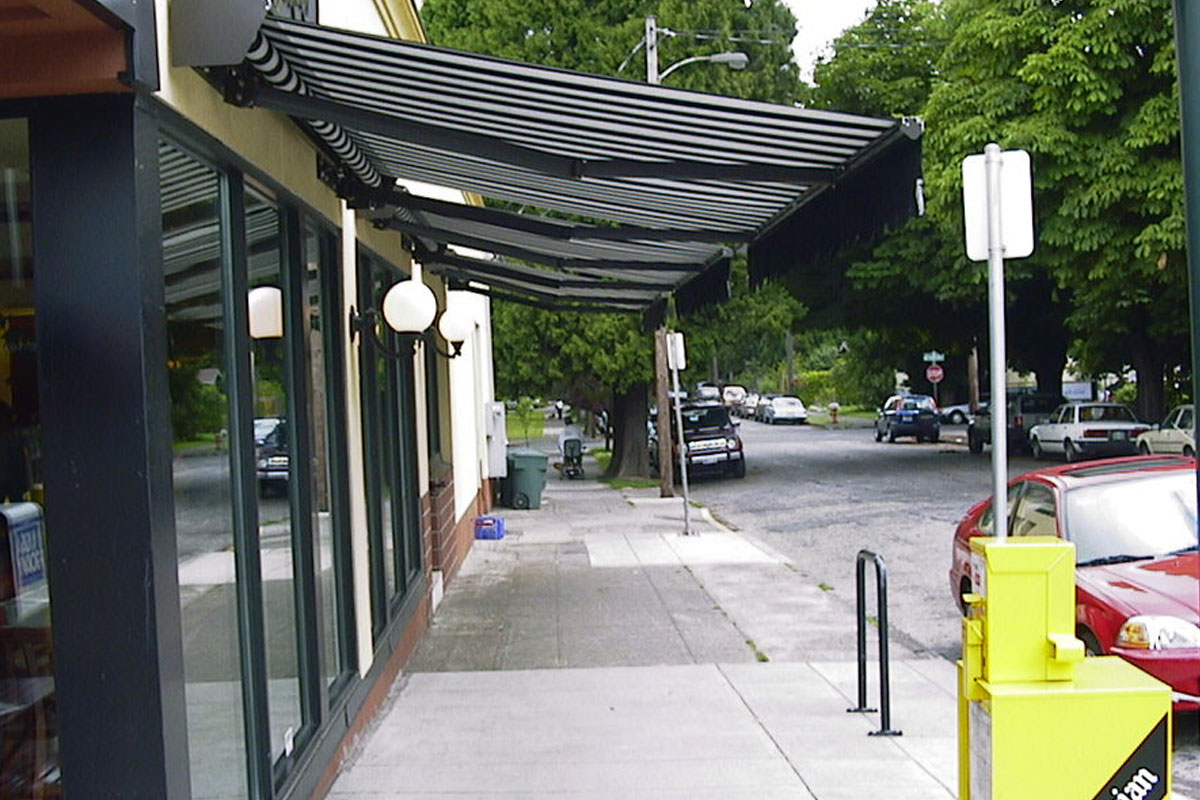Commercial Retractable Awning Side View New York City Signs